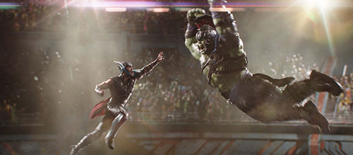 Thor versus Hulk Ragnarok 2017